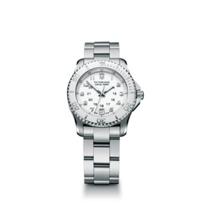 Swiss_Army_Maverick_GS_Small_Bracelet_Watch,_White_Dial