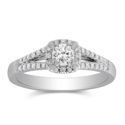 14k white gold diamond halo ring with diamond cushion halo & split shank, 0.91cttw