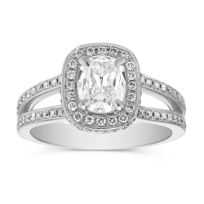 Henri_Daussi_Platinum_Cushion_Diamond_Ring,_1.23cttw