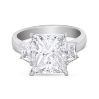 platinum_princess_cut_center_diamond_ring_with_trapezoid_diamond_sides,_5.88cttw