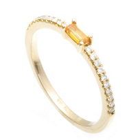 14K_Yellow_Gold_Baguette_Citrine_and_Round_Diamond_Ring