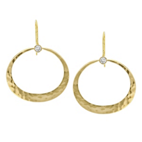 toby_pomeroy_14k_yellow_gold_diamond_32mm_hammered_oval_hoop_dangle_earrings