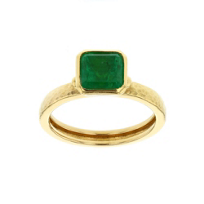 gurhan_24k_yellow_gold_and_emerald_bezel_set_ring_