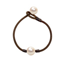 Vincent_Peach_White_Freshwater_Cultured_Pearl_&_Brown_Leather_Bracelet