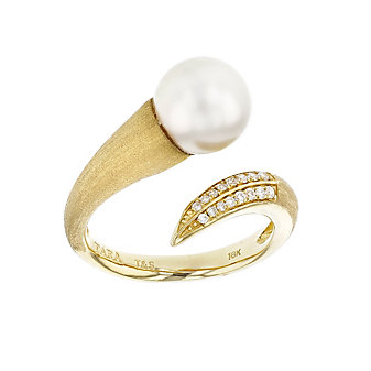 tara pearls 18k yellow gold white freshwater cultured pearl & crossover diamond ring