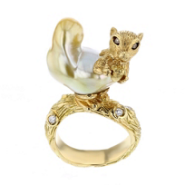 tara_pearls_18k_yellow_gold_golden_south_sea_cultured_pearl_white_&_brown_diamond_squirrel_ring