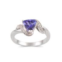 14K_Tanzanite_and_Diamond_Ring