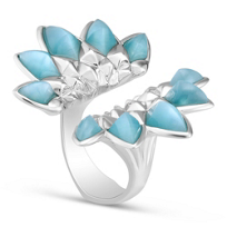 Stephen_Webster_Blue_Glass,_Quartz_and_Mother_of_Pearl_Superstud_Ring