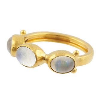Gurhan 24K Yellow Gold Moonstone Amulet Hue Ring