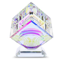 lustig_optical_crystal_cube_on_base,_80mm