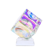 lustig_optical_crystal_cube_on_base,_50mm