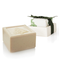 Thymes_Frasier_Fir_Bar_Soap_and_Dish_Set