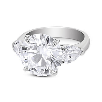 platinum round diamond and pear shaped diamond ring, 7.95cttw