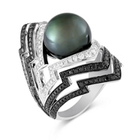Stephen_Webster_18K_White_Gold_Tahitian_Cultured_Pearl_and_Diamond_Lady_Stardust_Ring