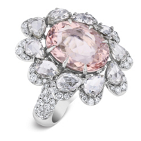 18k_white_gold_oval_checkerboard_morganite_&_diamond_petal_halo_ring