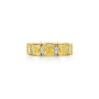 Kwiat_18K_Yellow_Gold_Diamond_Wedding_Ring