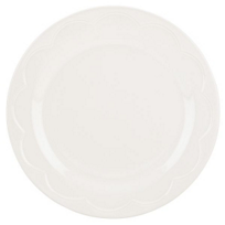 Kate_Spade_All_In_Good_Taste_Scalloped_Cream_Accent_Plate