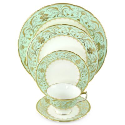 Royal_Crown_Derby_Darley_Abbey_Dinnerware
