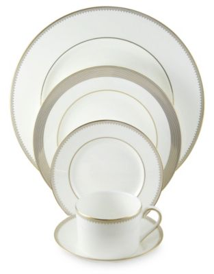 Vera_Wang_Golden_Grosgrain_Dinnerware