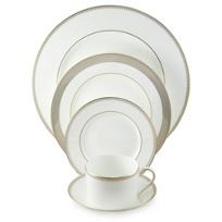 Vera_Wang_Golden_Grosgrain_Dinnerware